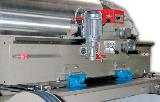 Roller turning machine